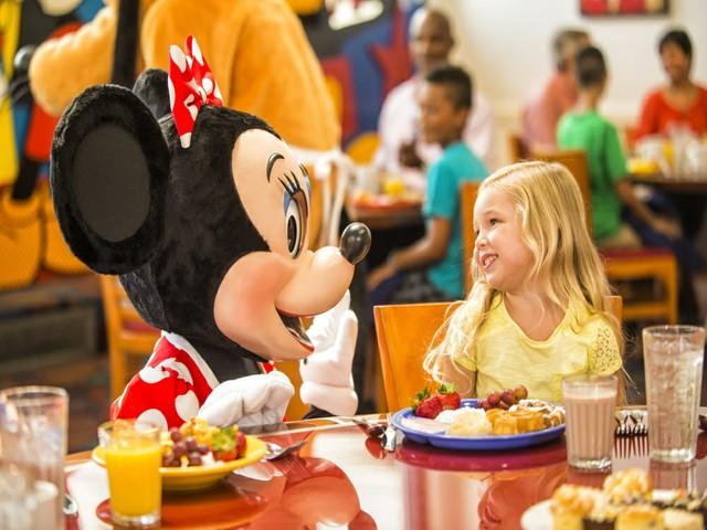 Frühstück mi tMinnie Maus & Co. Four Seasons Resort Orlando