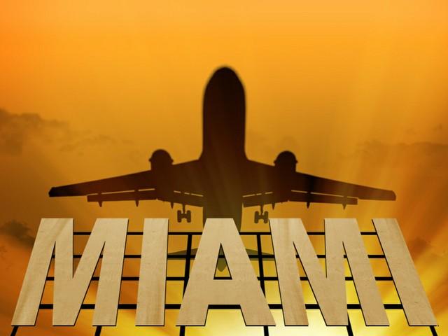 Miami Airport mit Flugzeug