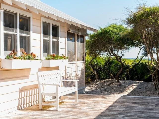 Ein Cottage an der Küste Floridas (Foto © Kristi Blokhin/Shutterstock.com)