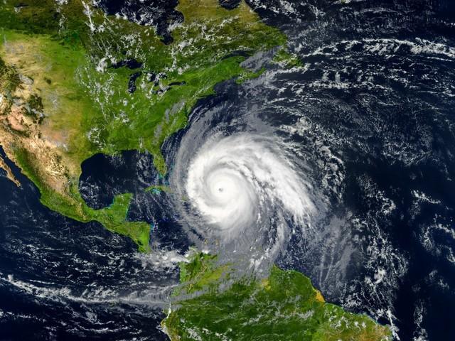 Tropischer Wirbelsturm nahe den USA