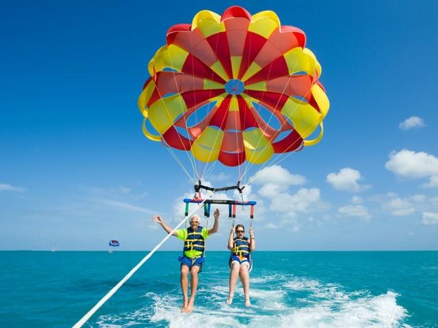 Sportliche Senioren vor Key West