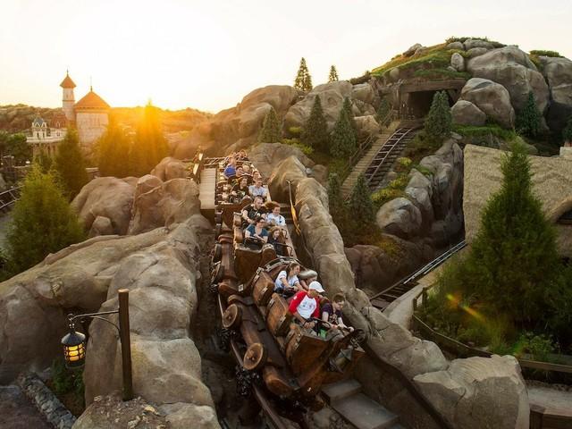 """""""Seven Dwarfs Mine Train"""" im Magic Kingdom"""