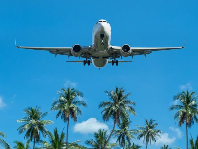 Flugzeug über Floria