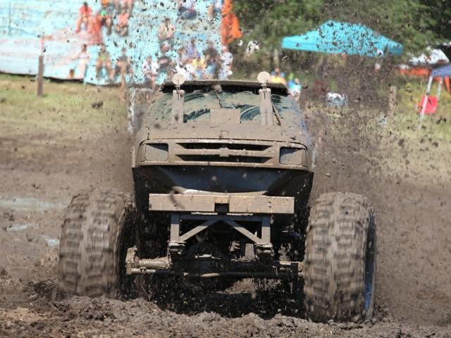 Mud-Bogging